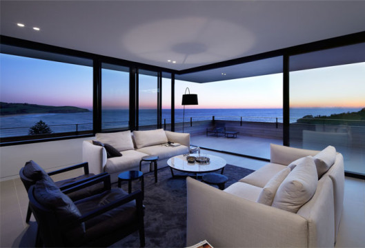 elegant-interior-breathtaking-ocean-view